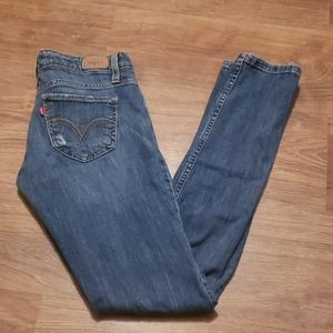Womens Levi's too super low 524 jeans.